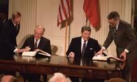 แผนการของวอชิงตันในการถอนตัวออกจากสนธิสัญญาอาวุธนิวเคลียร์พิสัยใกล้และพิสัยกลาง