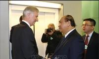 นายกรัฐมนตรี เหงียนซวนฟุก พบปะหารือกับสมเด็จพระราชาธิบดีฟีลิปแห่งเบลเยียมและผู้นำของเครือบริษัทใหญ่ๆระดับโลก