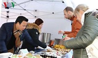 เทศกาลอาหารริมทางสาธารณรัฐเช็กยกย่องอาหารเวียดนาม