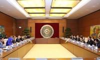 ผลักดันความร่วมมือระหว่างสำนักงานต่างๆของรัฐสภาเวียดนามและกัมพูชา