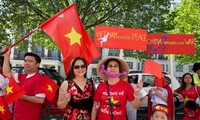 Overseas Vietnamese defend Vietnam's sovereignty