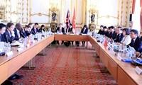 Vietnam, UK boost economic, trade links