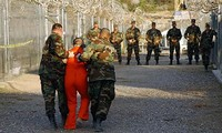 US reviews plan to close Guantanamo prison