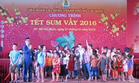 Ho Chi Minh city helps workers celebrate Tet holiday