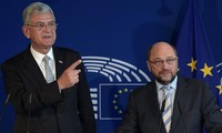 "EU-Turkey migrant deal in ""dangerous moment"""