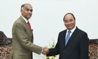 Prime Minister Nguyen Xuan Phuc receives new Indian Ambassador