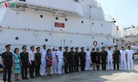 Indian coast guard ship visits Vietnam