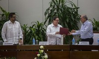 Colombia, FARC publish peace accord