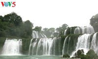 Festival honors Cao Bang's Ban Gioc waterfall
