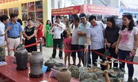 "Exhibition ""Thanh Hoa – Past and Present"" inspires pride of local traditions"