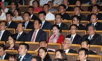 National Assembly Chairwoman attends art performance honoring Vietnam-China friendship