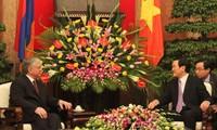 Staatspräsident Truong Tan Sang empfängt den armenischen Außenminister