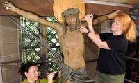 Deutsche Partner helfen Vietnam bei der Restaurierung von Kunstwerken aus Holz