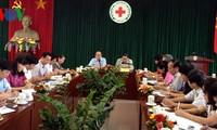 Vorsitzender der Vaterländischen Front Vietnams tagt mit dem Roten Kreuz Vietnams