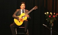Vietnamesische Volkslieder sind im internationalen Gitarrenwettbewerb Berlin geehrt