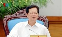Premierminister Nguyen Tan Dung leitet die Regierungssitzung im Januar 2015