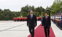Staatspräsident Truong Tan Sang beginnt Reise nach Aserbaidschan