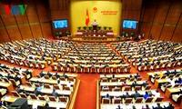 Parlamentarier diskutieren über das geänderte Gesetz zur Vaterländischen Front Vietnams