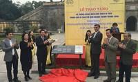 Australische Botschaft schenkt der Thang Long-Zitadelle Vorstellungsschilder