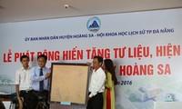 Da Nang: Gegenstände und Dokumente über Inselgruppe Hoang Sa spenden