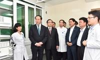Staatspräsident Tran Dai Quang überprüft die Garantie der Sicherheit zum Jahreswechsel