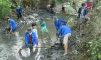Die Jugendliche engagieren sich für die Freiwilligenarbeit im Sommer
