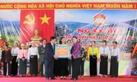 Parlamentspräsidentin Nguyen Thi Kim Ngan zu Gast bei Festtag der Solidarität des Volkes in Hoa Binh