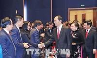 """Staatspräsident Tran Dai Quang nimmt am Programm """"Frühling in der Heimat"""" teil"""