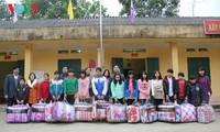 Hilfe für bedürftige Menschen beim Neujahresfest: Die Zusammenarbeit der Gemeinschaft