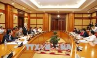 Sekretariat tagt über die Umsetzung des Zentralbeschlusses und der Vorschrift Nr. 5 des Politbüros