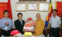 Generalsekretär der Vaterländischen Front Vietnams sendet Grüsse an Buddhisten