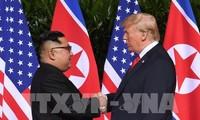 USA-Nordkorea-Gipfel: Das historische Händeschütteln der beiden Spitzenpolitiker