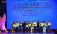 Auszeichnung für 28 hervorragende Werke von Theorie, Literatur- und Kunstkritik