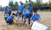 Jugendliche engagieren sich für die Kampagne für eine saubere Welt 2018