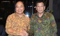 Premierminister Nguyen Xuan Phuc trifft den Präsidenten der Philippinen