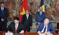Premierminister Nguyen Xuan Phuc führt Gespräch mit dem belgischen Premierminister