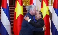 Preminister Nguyen Xuan Phuc trifft den Präsident des Staats- und Ministerrats Kubas