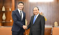 Premierminister: Vietnamesische Regierung hört Meinungen der Intellektuellen, Investoren und Unternehmen
