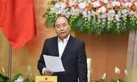 Premierminister Nguyen Xuan Phuc leitet Regierungssitzung im November