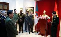 Verbesserung der Freundschaft und Zusammenarbeit der Armeen Vietnams und Algeriens