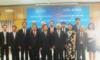 Kommissionen für Frieden und Solidarität Vietnams und Laos verstärken Zusammenarbeit