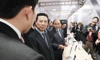 Premierminister Nguyen Xuan Phuc nimmt an Konferenz zu Aufgaben 2019 des Ministeriums für Information und Kommunikation teil