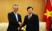 Vizepremierminister Trinh Dinh Dung empfängt den Exekutivdirektor des japanischen Unternehmens Marubeni