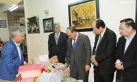 Premmierminister Nguyen Xuan Phuc beglückwünscht Wissenschaftler zum Neujahrsfest Tet