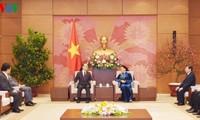 Parlamentspräsidentin Nguyen Thi Kim Ngan empfängt den Leiter der Obersten Staatsanwaltschaft Südkoreas