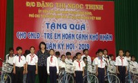 Vizestaatspräsidentin Dang Thi Ngoc Thinh nimmt an der Feier zum 89. Gründungstag der KPV in Provinz Vinh Long teil