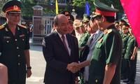 Premierminister Nguyen Xuan Phuc beglückwünscht Beamte und Bürger der Stadt Da Nang zum Neujahrsfest