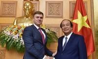 Vietnam und Russland verstärken Zusammenarbeit in Bau und Förderung der elektronischen Regierung