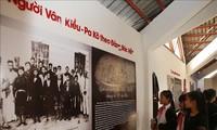 Fotoausstellung über Sitten und Bräuche der Volksgruppe der Van Kieu