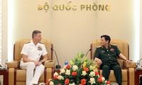 Verstärkung der Verteidigungszusammenarbeit zwischen Vietnam und USA